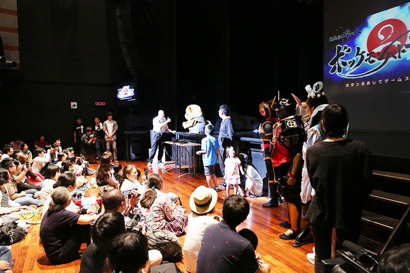 ゲーム大会はキャラクターとお客様が混じって盛り上がりました。